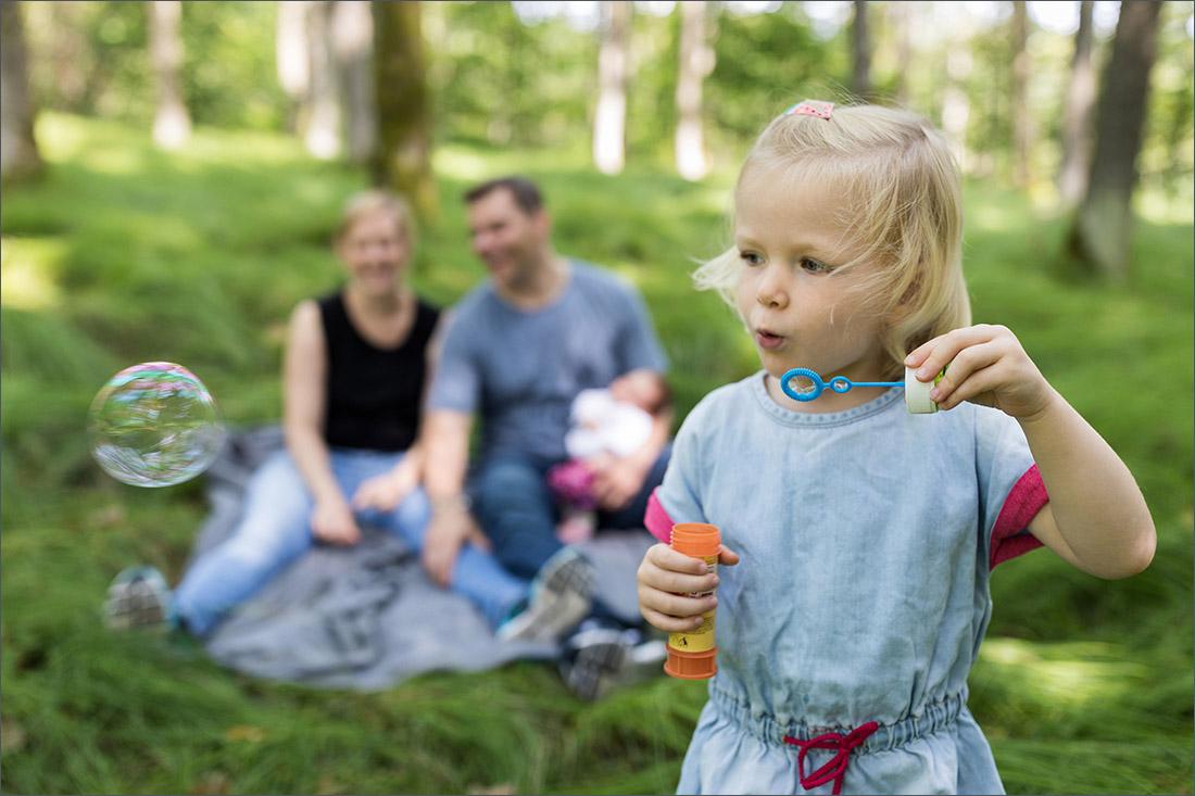 Natürliches Familien Fotoshooting im Wald Karsau - Rheinfleden