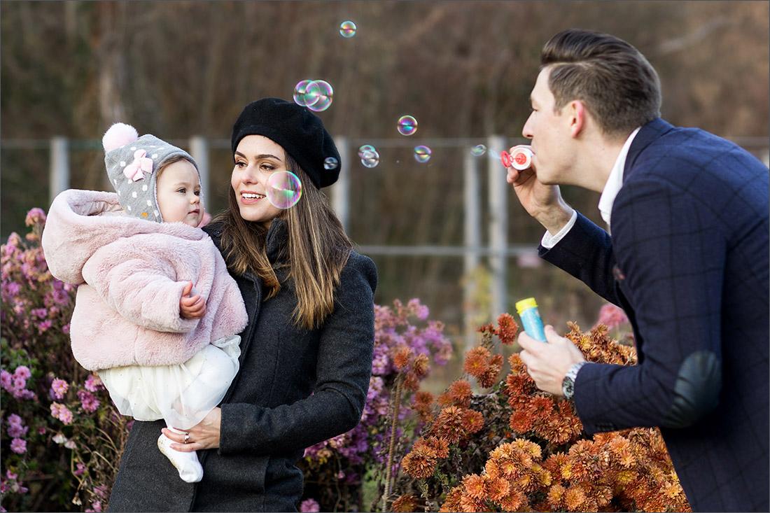 Familien Fotoshooting Basel - Merian Gärten - Seifenblasen