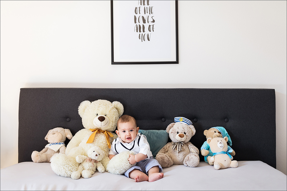 Homestory - Familienfotografin Soraya Haessler fotografiert liebevoll eine Familie in ihren eigenen Zuhause.